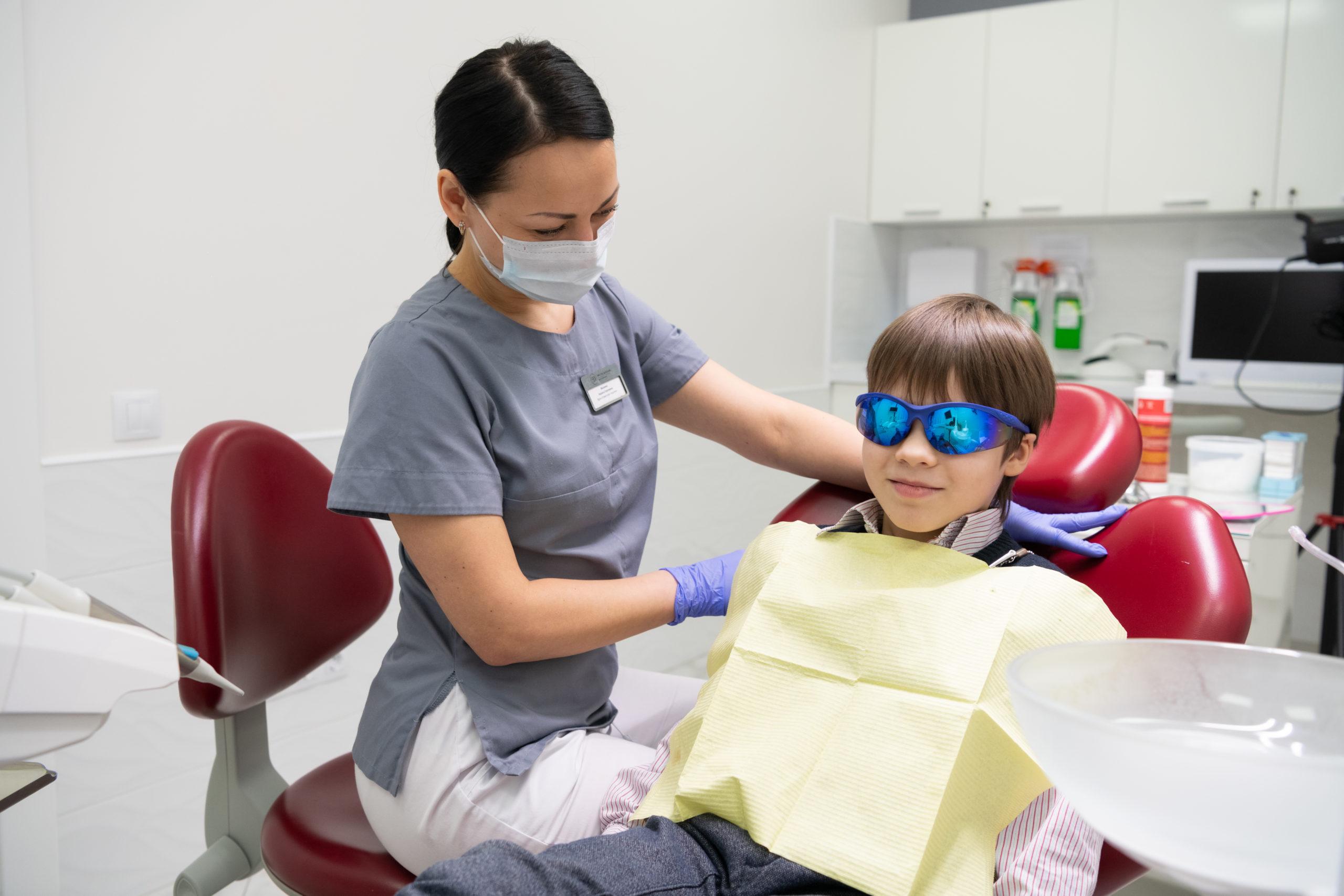 Установка детских зубных пластин